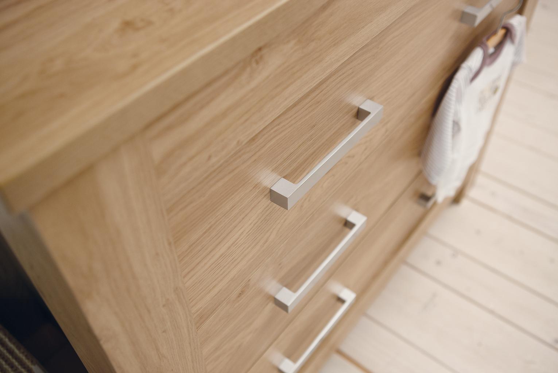 Bordeaux-Dresser-Closeup